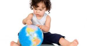 חכמת הקבלה - תינוק מחזיק עולם