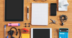 חכמת הקבלה - כלי כתיבה שולחן משרד