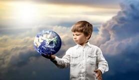 הרב לייטמן - ילד מחזיק את העולם
