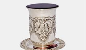 חכמת הקבלה - כוס קידוש יין שבת