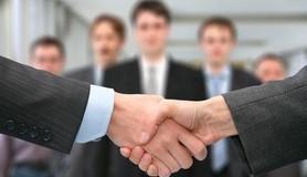 חכמת הקבלה - לחיצת יד אנשים חיבור