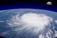 מיכאל לייטמן - הוריקן סופה עולם ירח