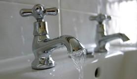 הרב לייטמן - ברז מים