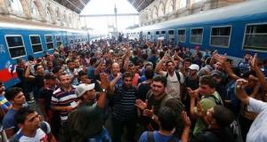 רכבת, אנשים, המון, מנהרה